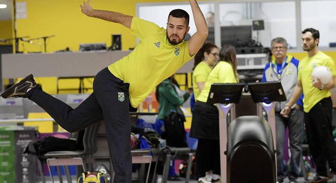Parceiros nas duplas, Bruno e Marcelo competem também na disputa individual