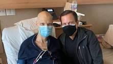Bruno Covas recebe visita de João Doria no hospital em São Paulo
