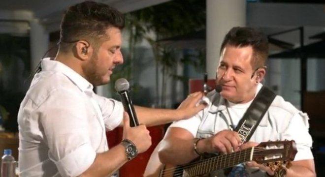 Bruno se emocionou durante o show com Marrone