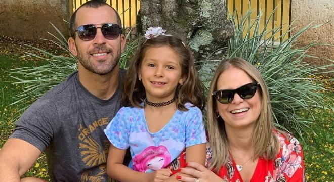Bruno Fontes voltou para Florianópolis para ficar com Clara e Paola