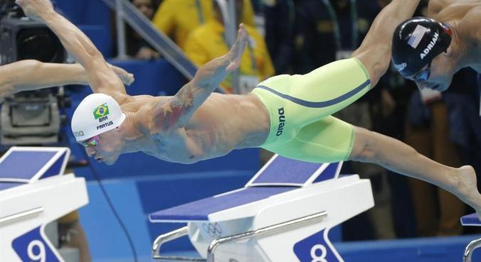 Fratus, hoje com 31 anos, defende legado da natação de velocidade brasileira