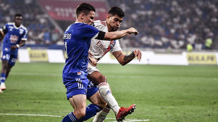 Bruno Guimarães: ex-Athletico, Bruno Guimarães vem mostrando entrosamento com Paquetá, e o meia deu a assistência para o gol do jogador ex-Flamengo pelo Lyon.
