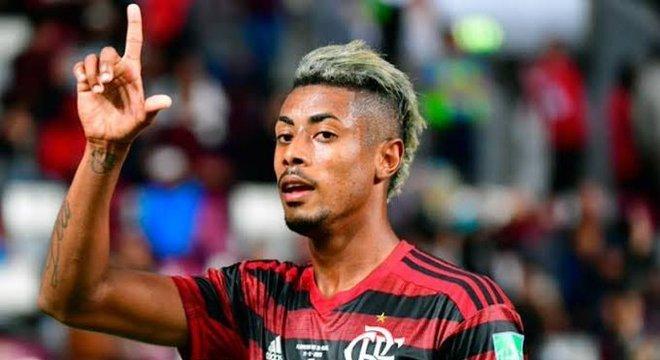 Bruno Henrique marcou os dois gols. Placar foi tímido, diante da força do Flamengo
