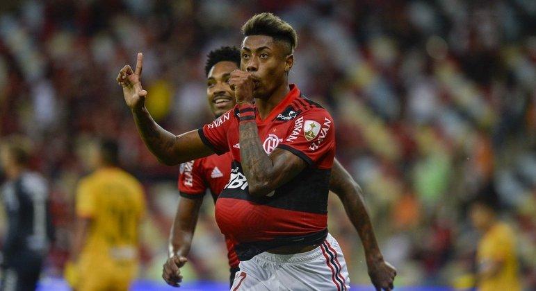 Bruno Henrique fez excelente partida. Renato sabe que Filipe Luís fez falta para as triangulações