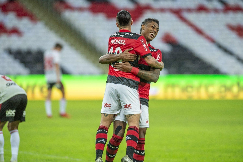 Bruno Henrique sentia o medo nos olhos dos jogadores do São Paulo. Fez o que quis