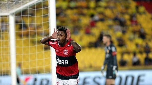 Bruno Henrique explorou, com talento, velocidade e objetividade, as costas de Castillo