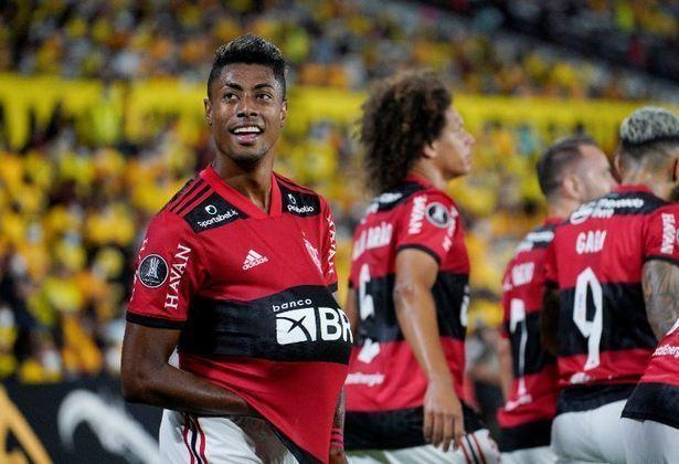 Bruno Henrique comemora com a bola na barriga. Esposa grávida foi motivação a mais