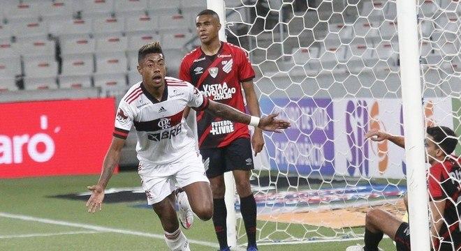 Bruno Henrique comemora gol da vitória do  Flamengo