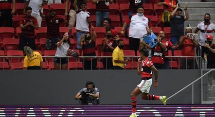Flamengo tem liminar do STJD pela liberação