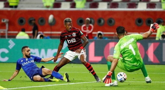 Com gol, assistência e jogada do terceiro, B. Henrique foi novamente destaque
