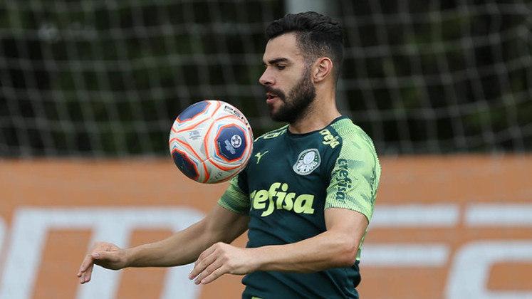 Bruno Henrique: volante que teve passagem vitoriosa pelo Corinthians, foi vendido ao futebol italiano e foi comprado pelo Palmeiras em 2017 para jogar no maior rival do Timão.