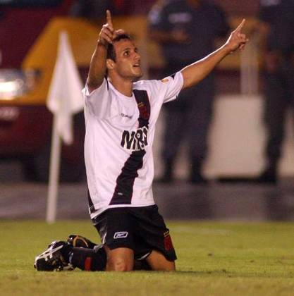 Bruno Meneghel - estreou em 2005 - 23 jogos e 4 gols marcados pelo Vasco -