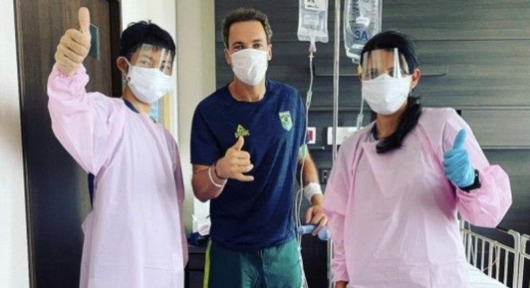Bruno Soares após cirurgia em Tóquio