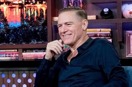 Bryan Adams espalhou mentira sobre coronavírus