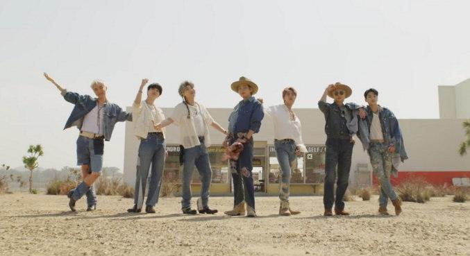 BTS divulgou o animado clipe para 'Permission to Dance', escrita em parceria com Ed Sheeran