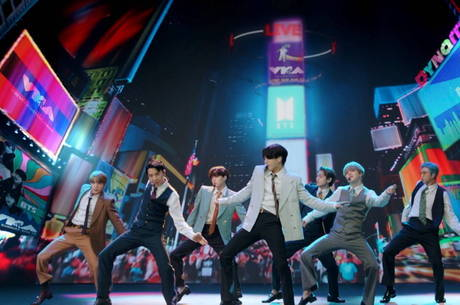 BTS conquista primeiro lugar na Billboard