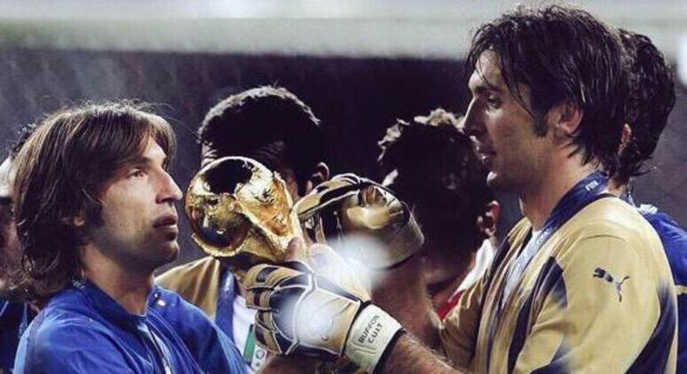 Com Pirlo, na Copa de 2006