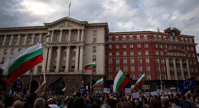 Protestos no centro da capital da Búlgaria, Sófia, vêm ocorrendo há 11 dias