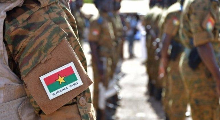 Comboio formado por soldados, guardas florestais e os três jornalistas foi atacado na segunda-feira (26)