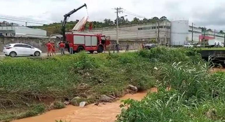 Família afirma que homem de 38 anos desapareceu após chuvas em Jandira, na Grande SP