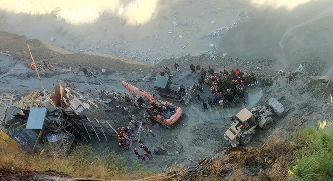 Operações de resgate continuam em túneis próximos às usinas