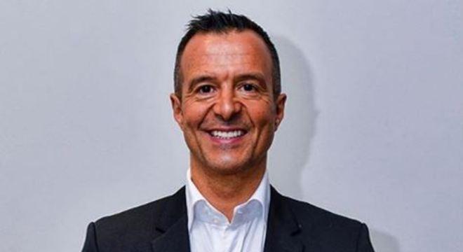 Buscas foram realizadas nos escritórios de Benfica, Porto, Sporting e Braga, assim como na empresa de Jorge Mendes, um dos empresários mais influentes do mundo do futebol