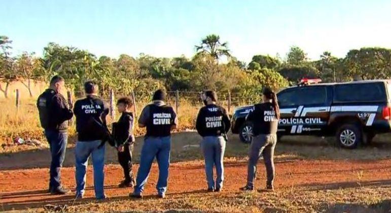 Em 20º dia de buscas, polícia fecha cerco em Águas Lindas de Goiás