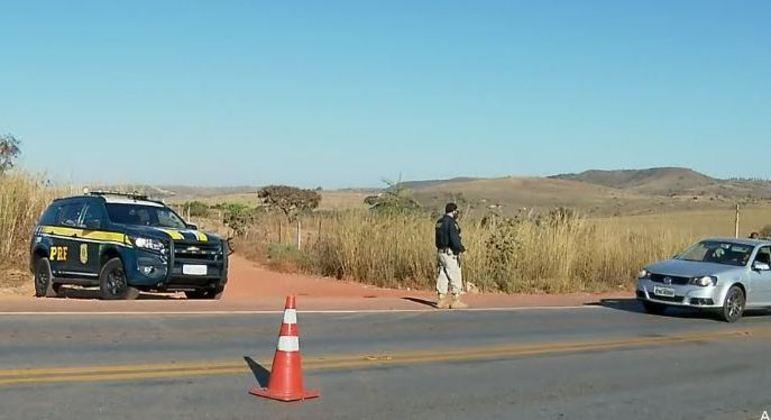 PRF intensifica blitz nas rodovias para tentar impedir fuga de Lázaro Barbosa