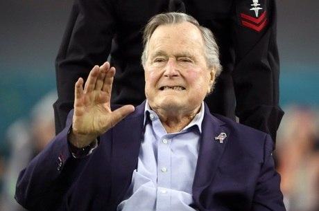 Bush pai há havia sido internado em abril