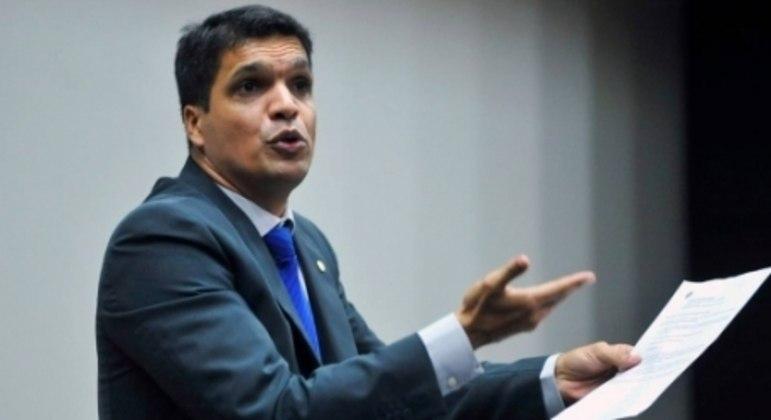 CABO DACIOLO - Também presidenciável nas últimas eleições, o político é reconhecidamente torcedor do Vasco.