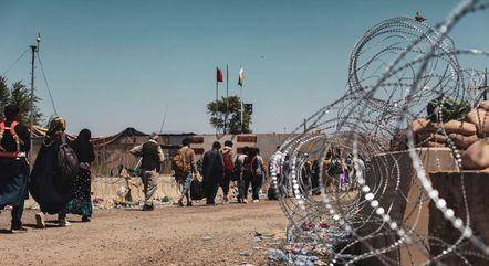 Cabul já consegue receber voos humanitários