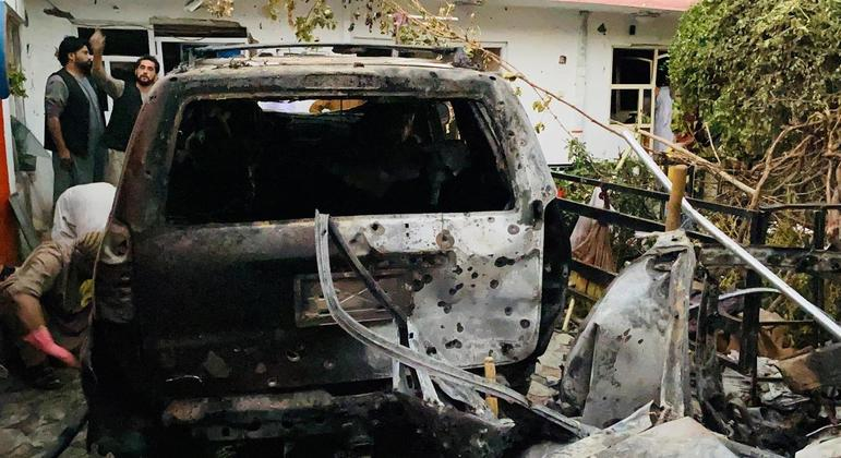 Ataque aéreo dos EUA destruiu carro do EI carregado de explosivos , disse o Pentágono