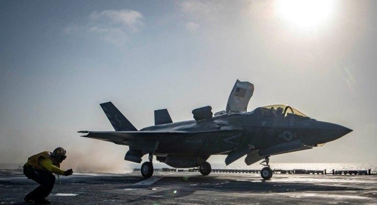 Estados Unidos planejam seguir com ataques aéreos para combater o Talibã no Afeganistão