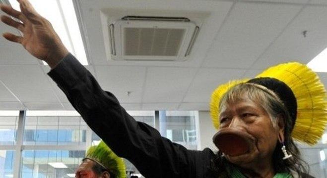 O cacique Raoni, que recebeu alta após mais de uma semana internado