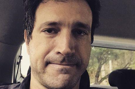 Caco Ciocler ficou ilhado após chuva em São Paulo