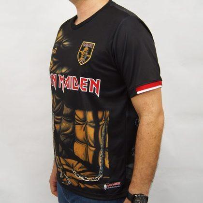 Cada camisa está à venda por R$ 199,90, no site da WA Sport. O envio das peças é feito para todo o Brasil e também há fretes para o exterior. Os modelos apresentam o símbolo