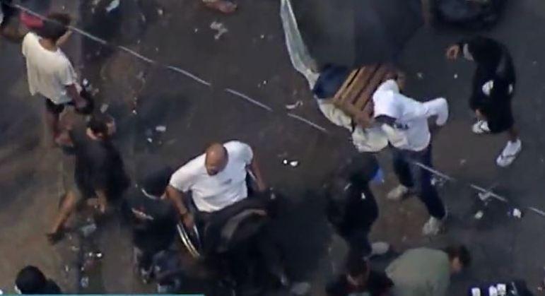 Cadeirante atua em esquema do tráfico de drogas na cracolândia, no centro de SP