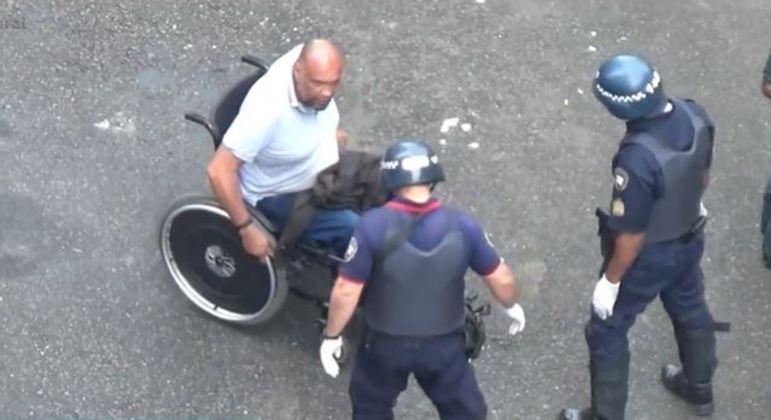 Cadeirante da cracolândia ofereceu resistência à prisão quando foi abordado pela GCM