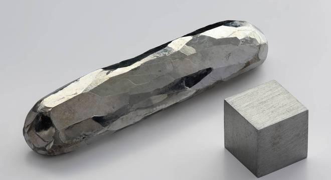 Imagem ilustrativa do cádmio em forma sólida