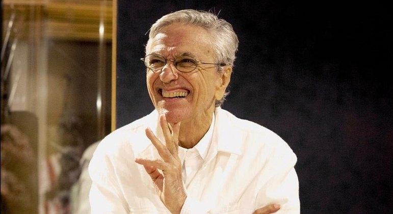 Caetano comemora 79 anos e recebe homenagem de amigos e famosos