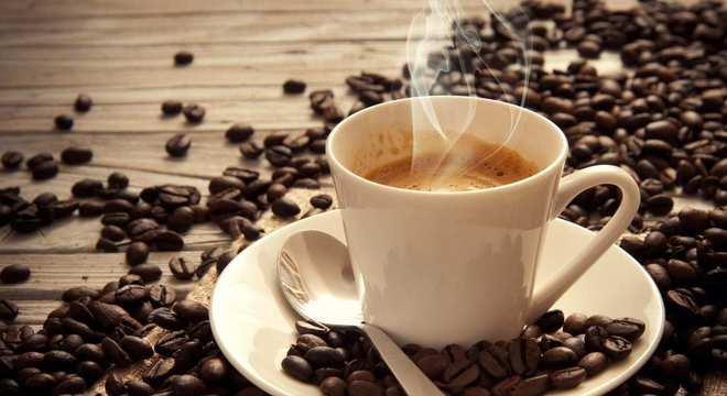 Café com óleo de coco- Para que serve? Como tomar? Emagrece?