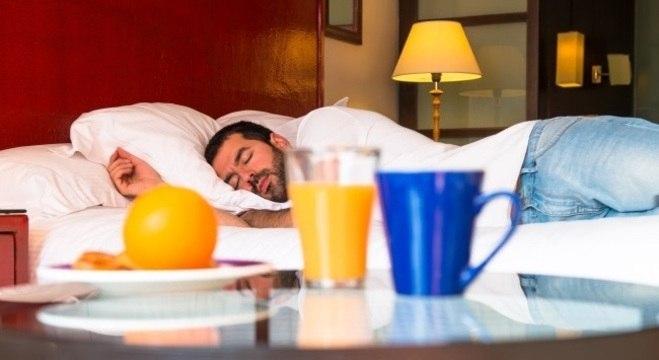Deficiência de vitaminas e nutrientes pode afetar a qualidade do sono