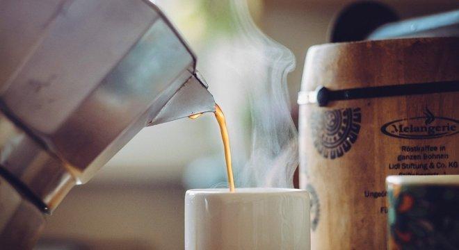 Uma a três xícaras por dia podem reduzir risco de hipertensão