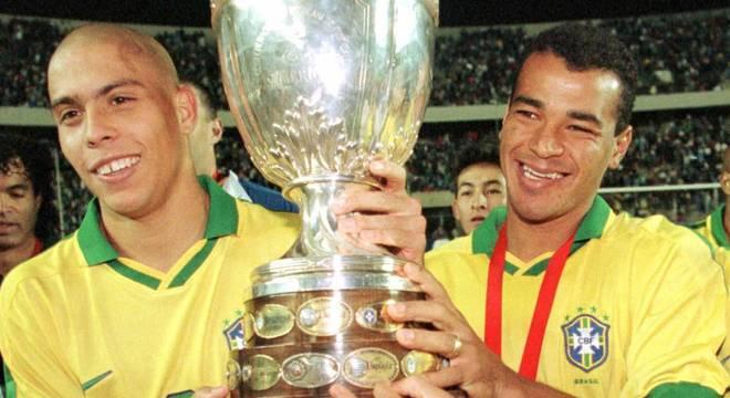 Cafu é um dos últimos símbolos de grandes conquistas da Seleção Brasileira
