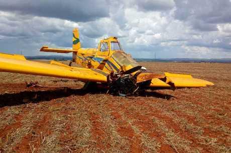 Avião caiu em área agrícula