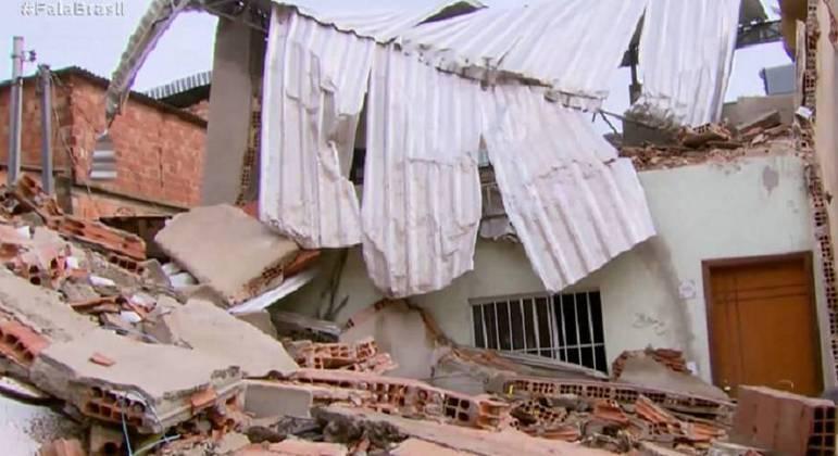 Prédio de quatro andares não resistiu as fortes chuvas e desabou no Aglomerado da Serra
