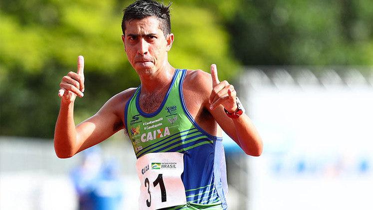Caio Bonfim (foto), Lucas Mazzo e Matheus Correa participam da marcha de 20 km, a partir das 4h30.  São 57 competidores e já vale medalha.