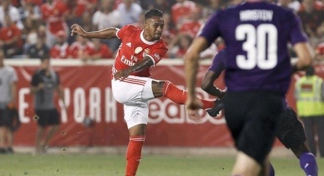 O brasileiro Caio Lucas anotou o gol da vitória do Benfica