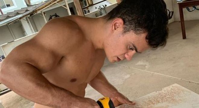Caio Souza lançou mão de suas habilidades manuais e construiu de forma artesanal um aparelho simples, mas útil