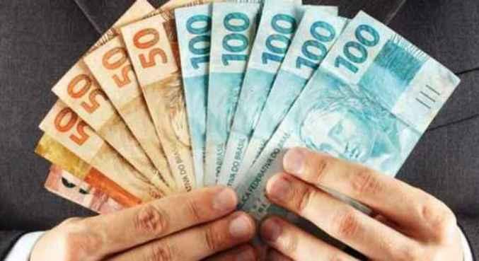 Lei que amplia margem do empréstimo consignado foi sancionada sem vetos por Bolsonaro